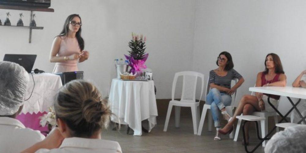 Mulheres trabalhadoras em encontro